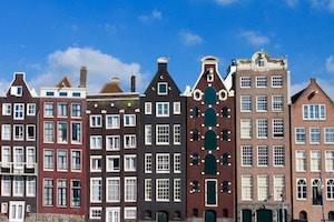 Les façades typiques des maisons d'Amsterdam