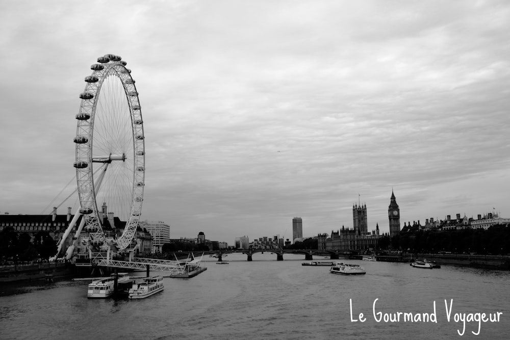 La Tamise , fleuve de Londres et London Eye